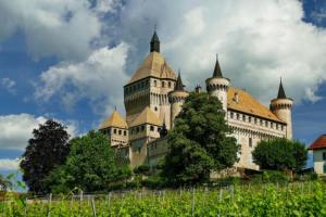 1013px-Vufflens-le-Château, château de Vufflens (3)